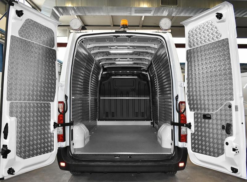Illuminazione nel furgone con accessori syncro